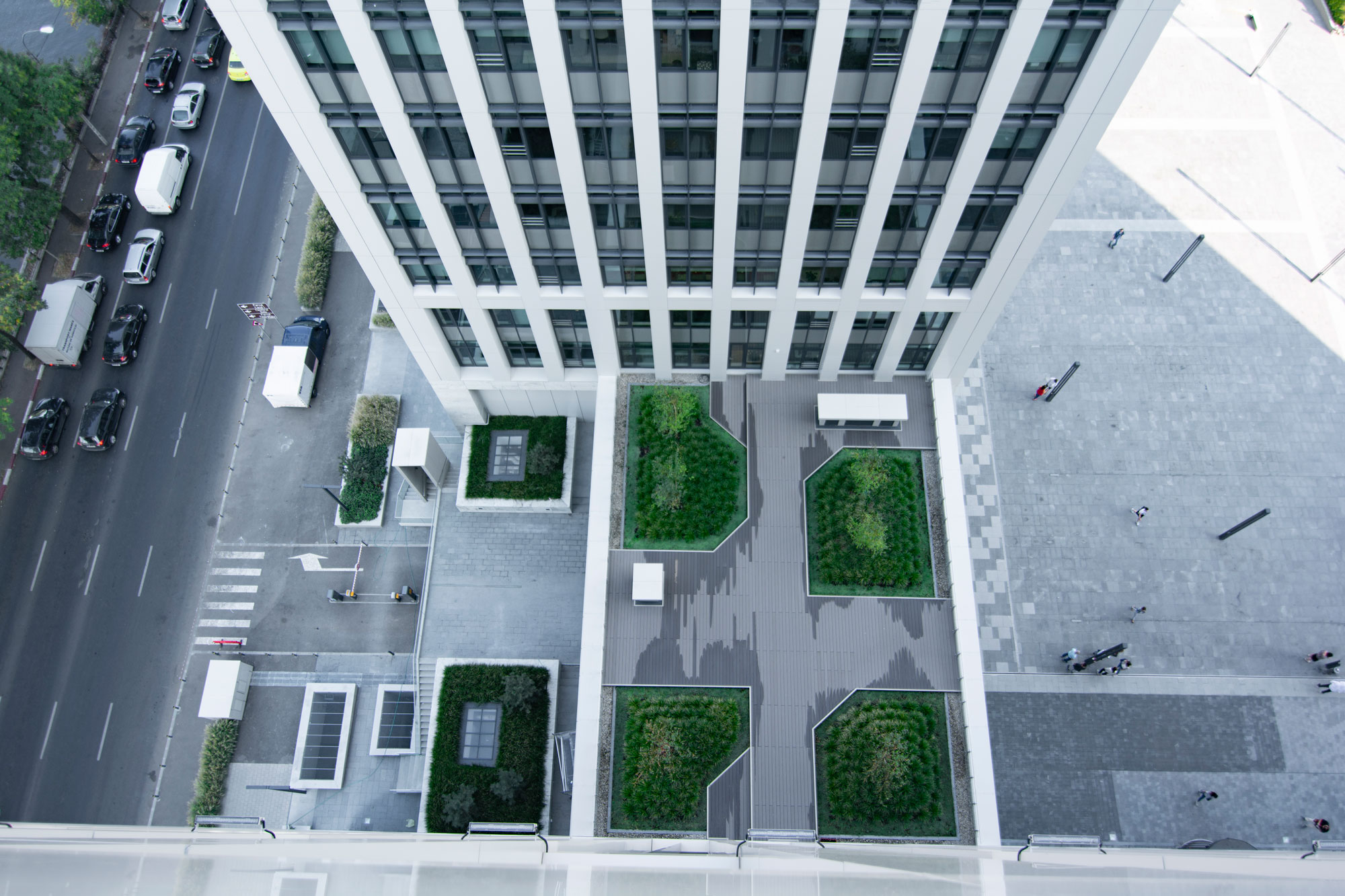 Acoperis spatiu verde Timpuri Noi Square